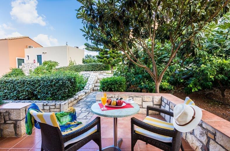 pilots-villas-luxury-suites - terrasje