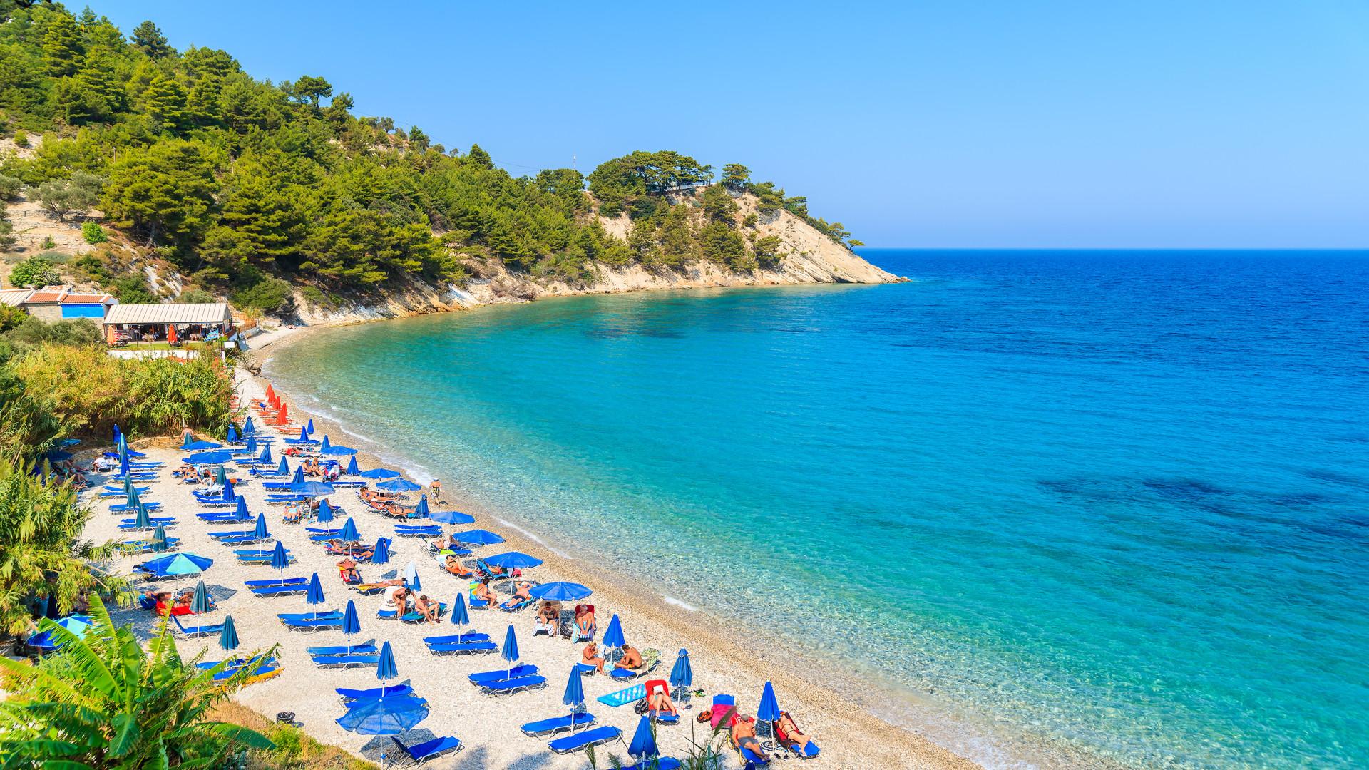 Een weergave van Lemonakia strand met turquoise zeewater, Samos eiland, Griekenland
