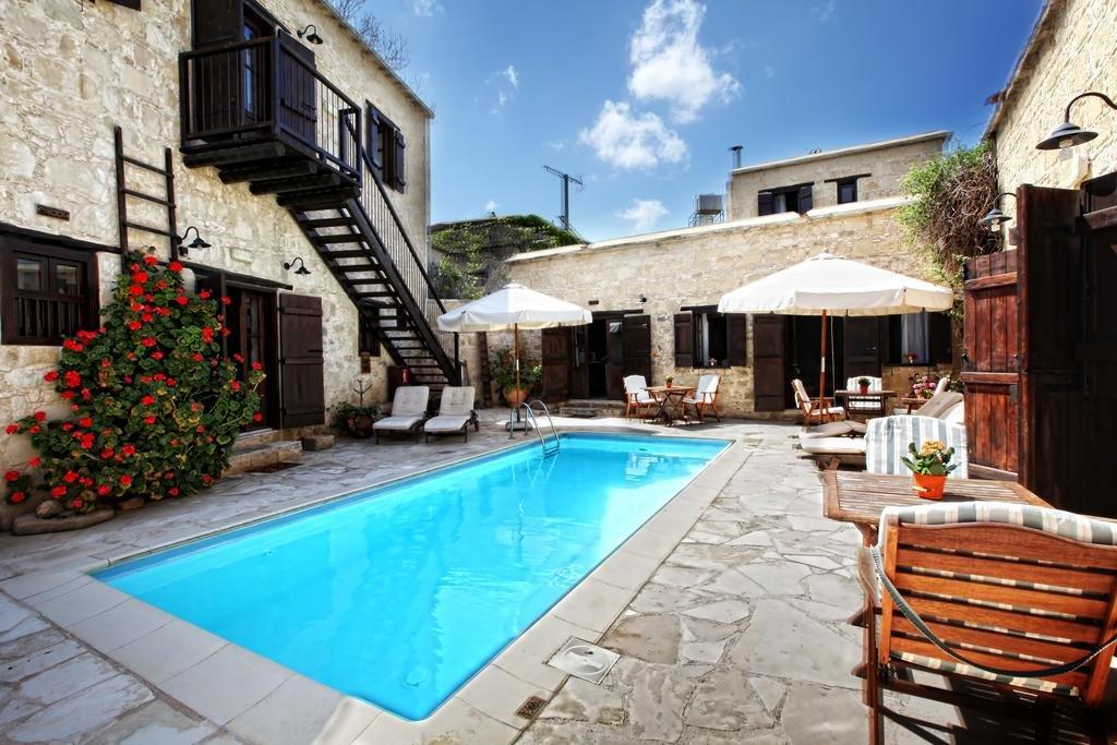 Leonidas village houses zwembad