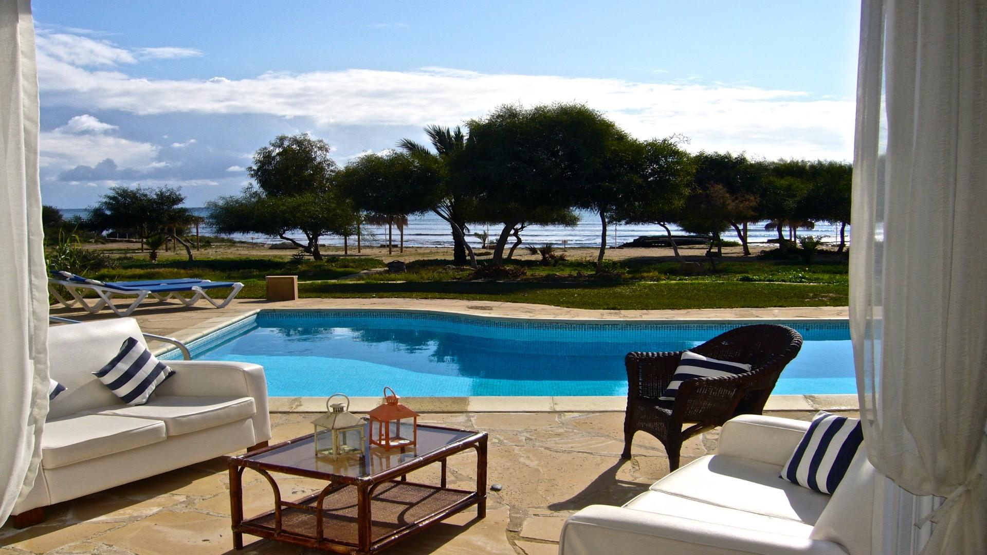 Zwembad bij Villa's Thalassines, Ayia Napa, Cyprus