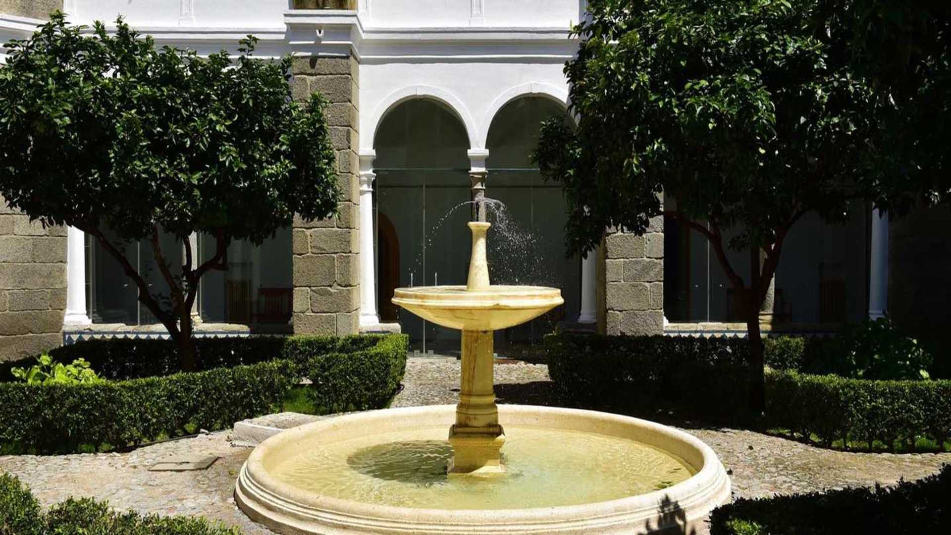 Fontein bij Pousada Arraiolos, Arraiolos, Alentejo, Portugal