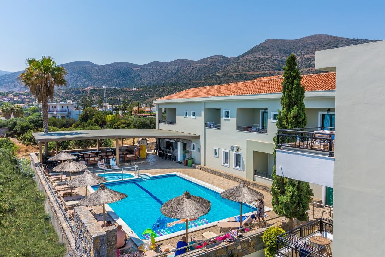 dias-hotel-apartments-zwembad