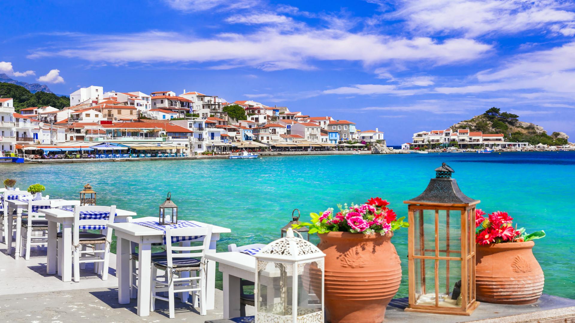 Terras aan zee, Kokkari, Samos, Griekenland