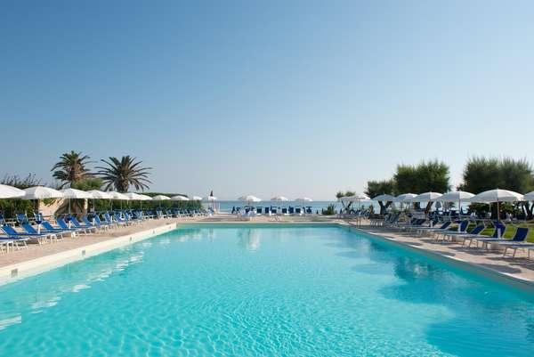 Hotel del Levante Puglia - zwembad aan zee