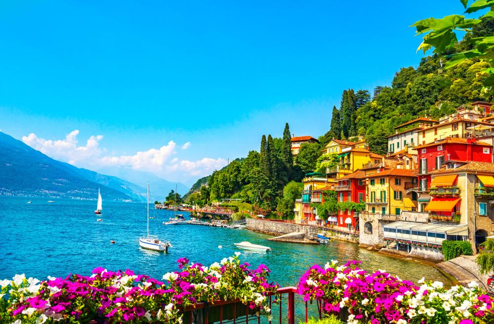 Varenna stad -Comomeer - Italie