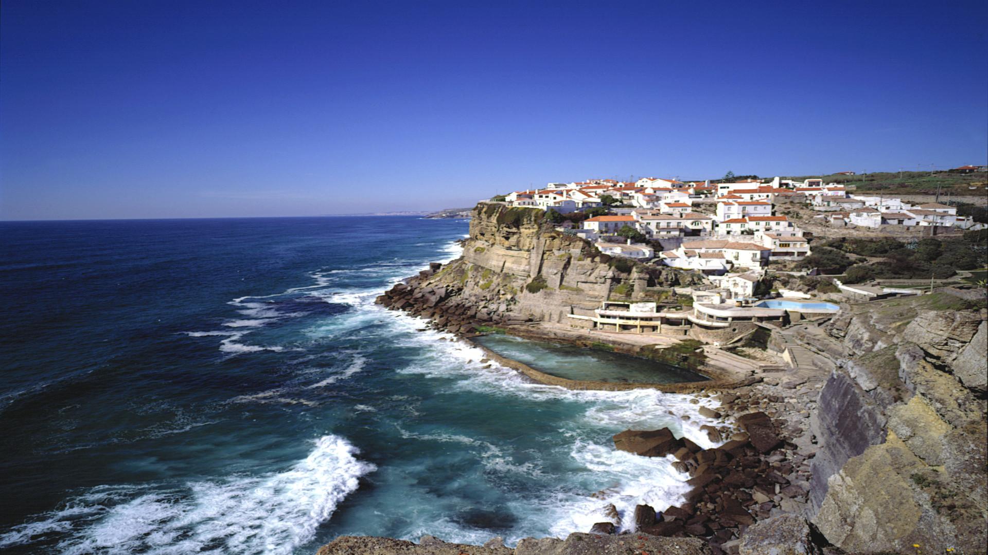 Dorpje Azenhad do Mar bij Sintra, Lissabon en kusten, Portugal