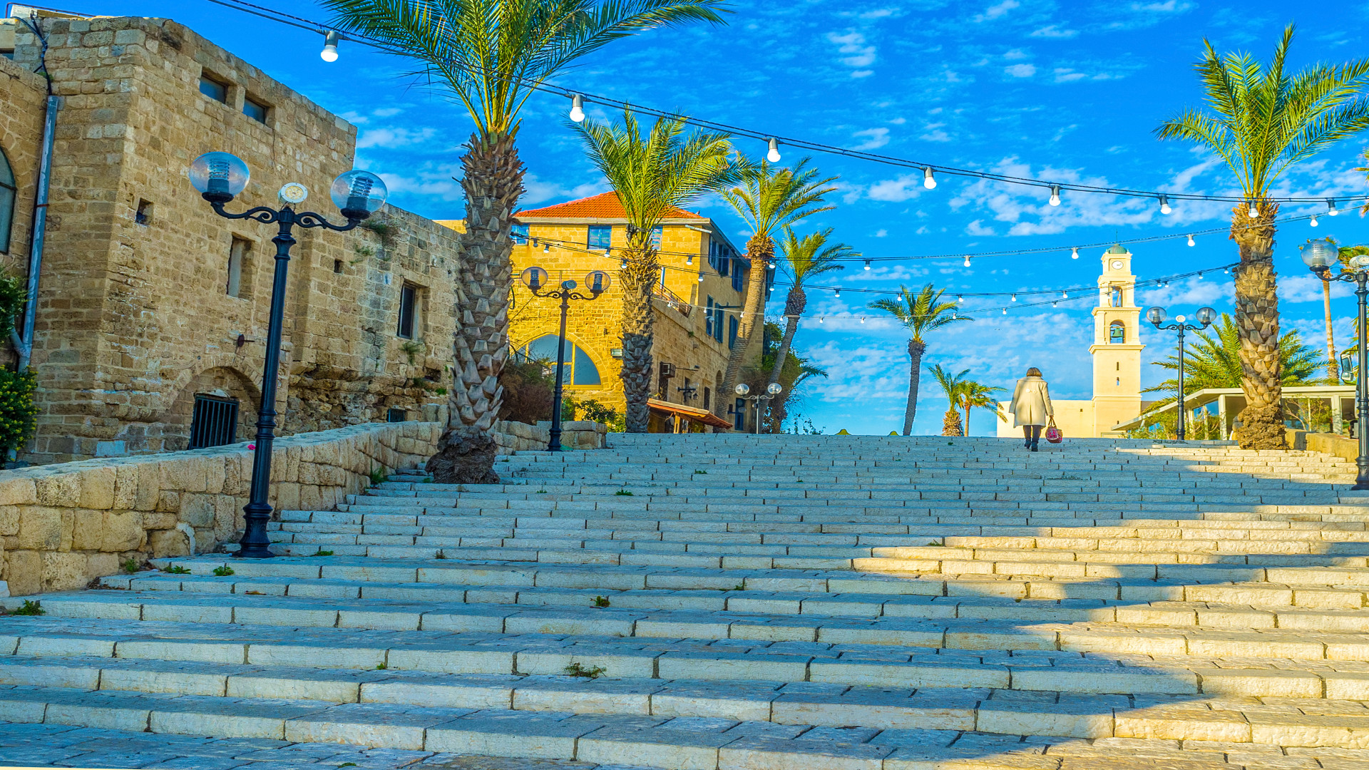 Hoge en brede trap in Jaffa, Tel Aviv, Israël