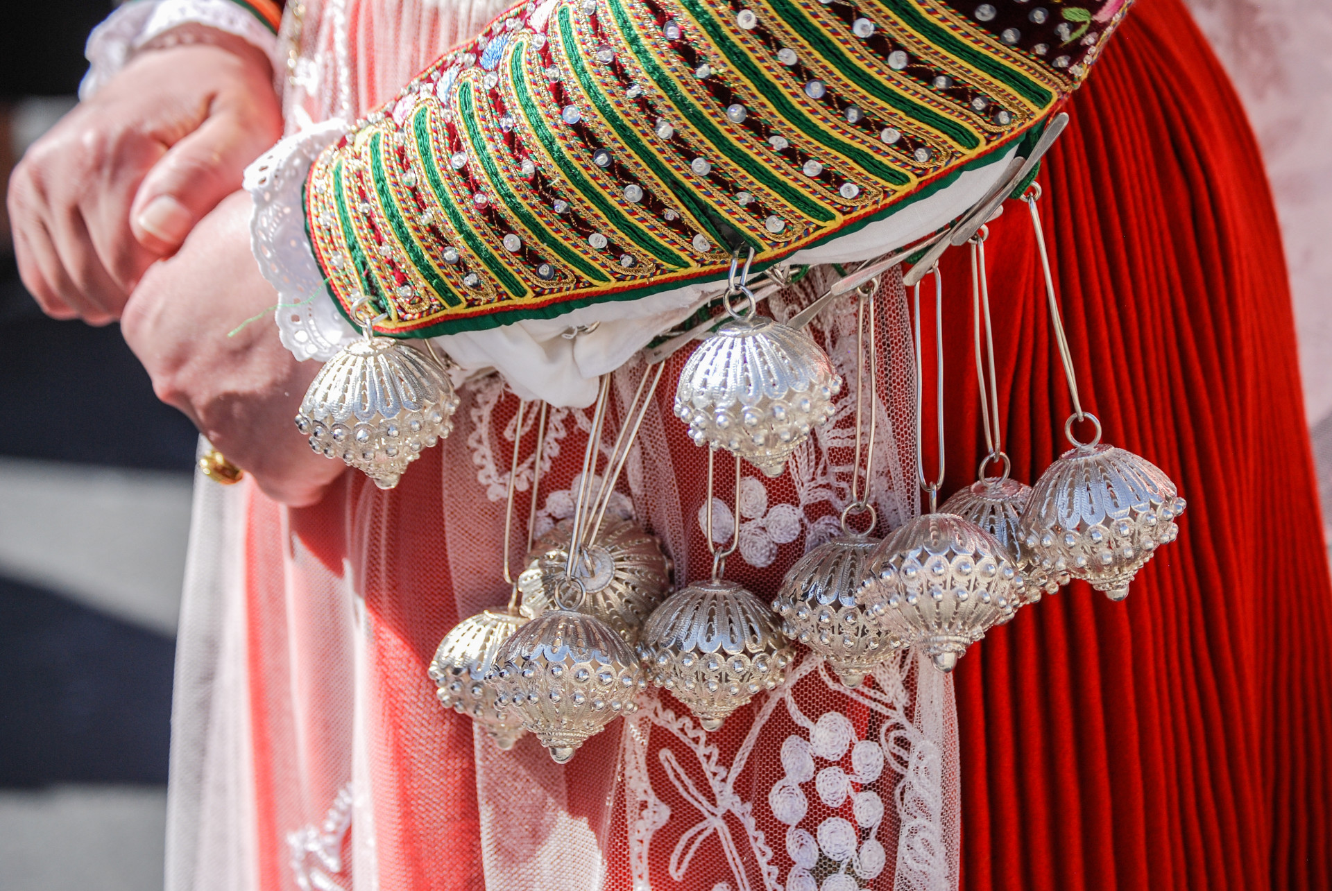 Vrouw in klederdracht Sardinië