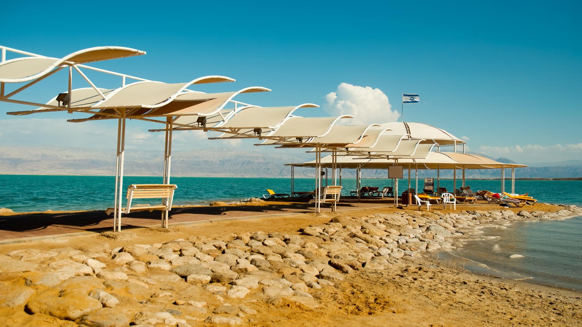 Strand bij Dode Zee, Israël