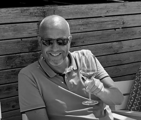Reisspecialist Ton glas wijn