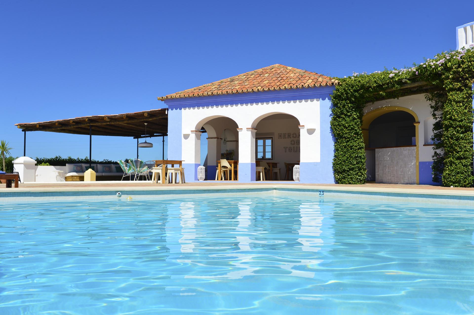 Heerlijke genieten in het zwembad aan de Portugese kust