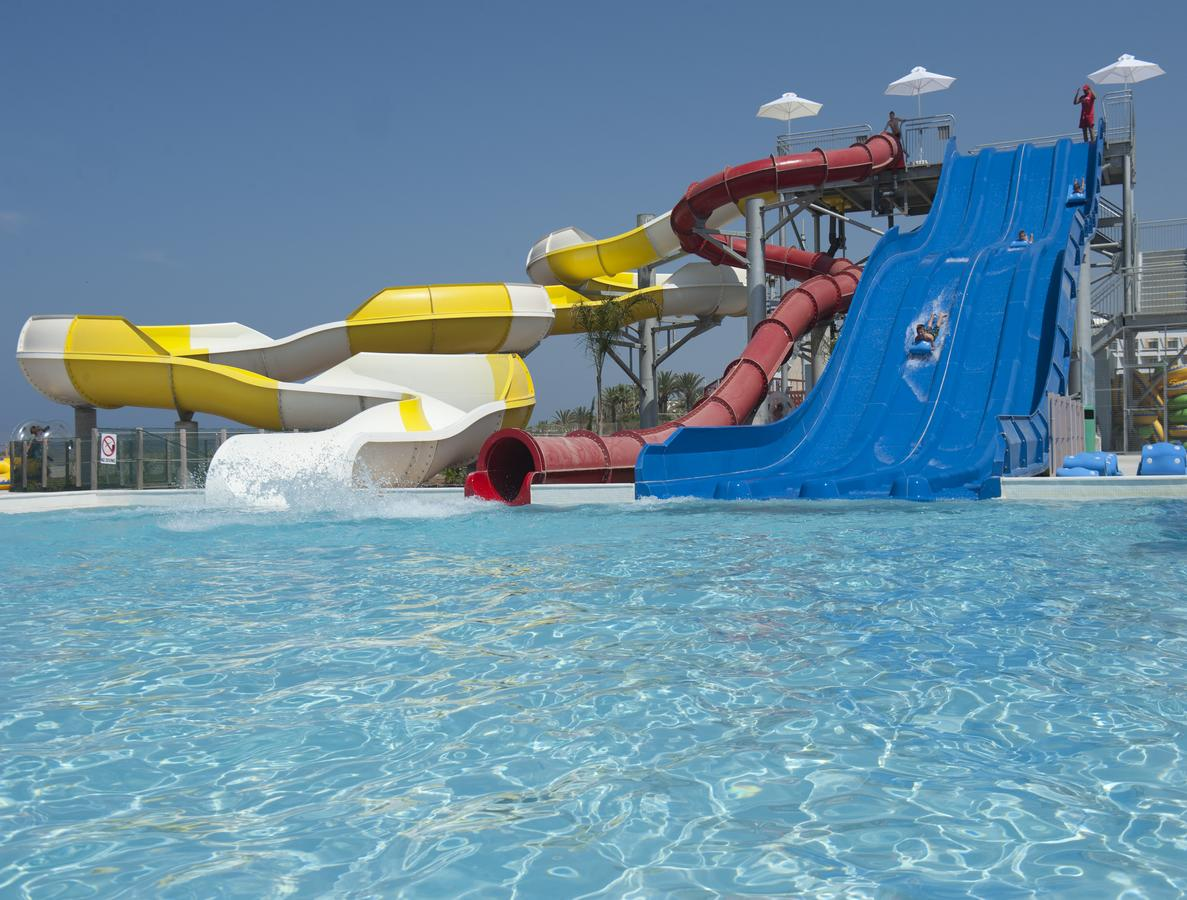 Glijbanen Louis Phaeton Beach, Paphos, Cyprus, kindvriendelijke vakantie