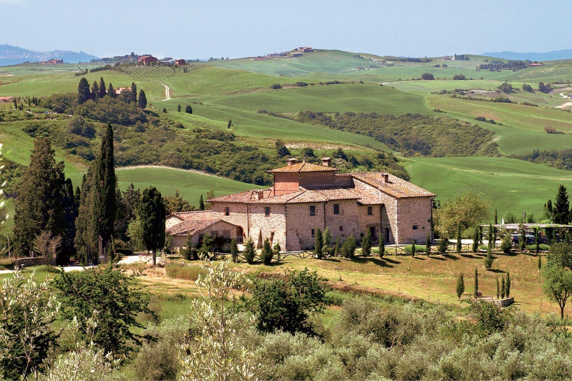 Italië kleinschalige agriturismo op een heuvel in Toscane