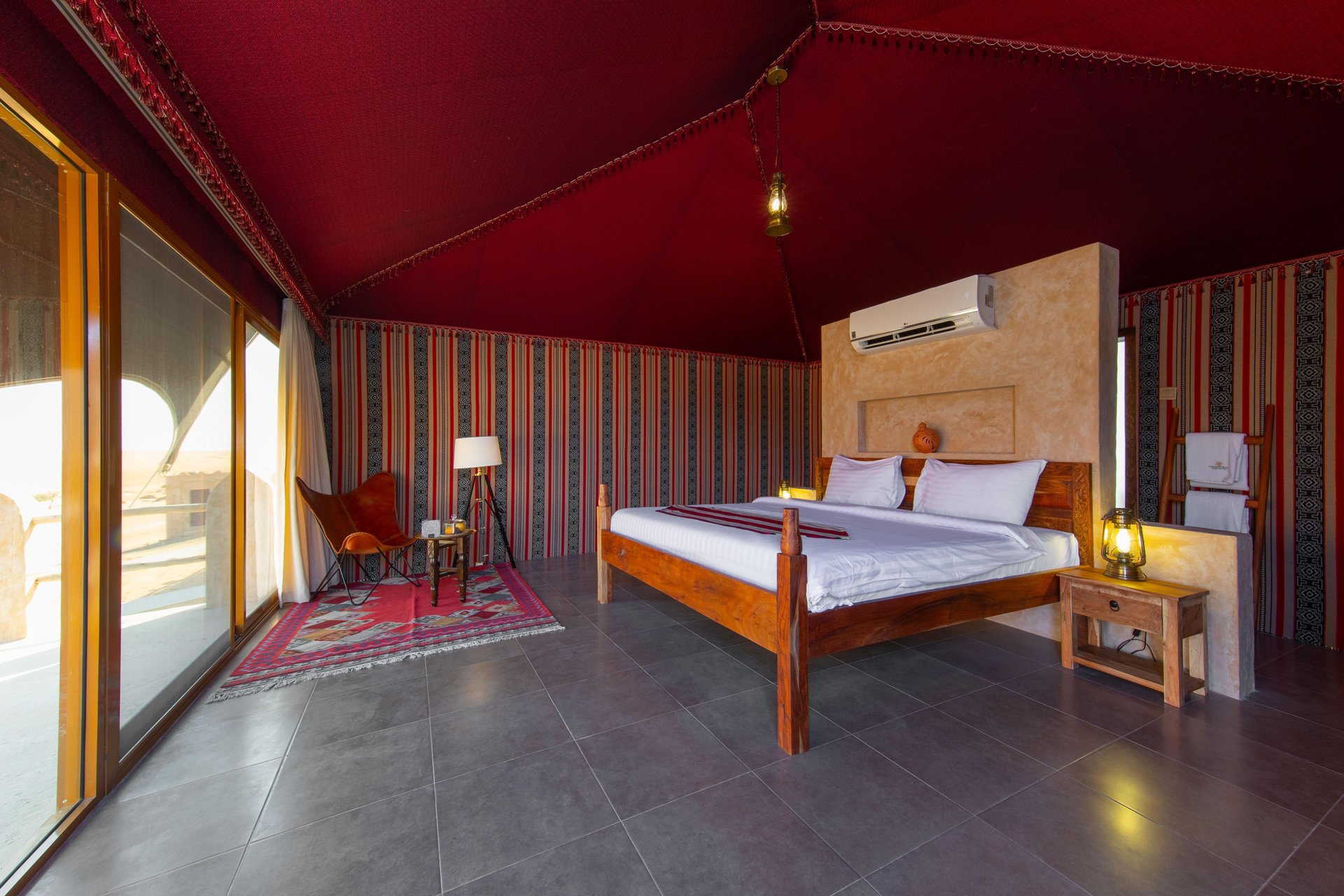 1000 Nights Camp Sheikh deluxe tent - Wahiba Sands