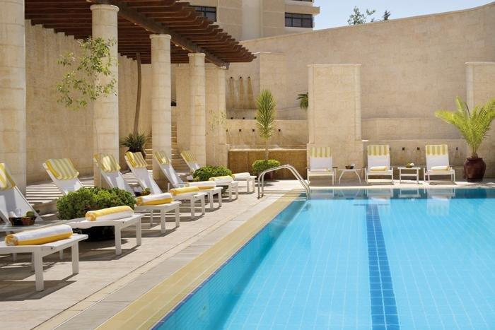 Mövenpick Resort Petra zwembad - Petra