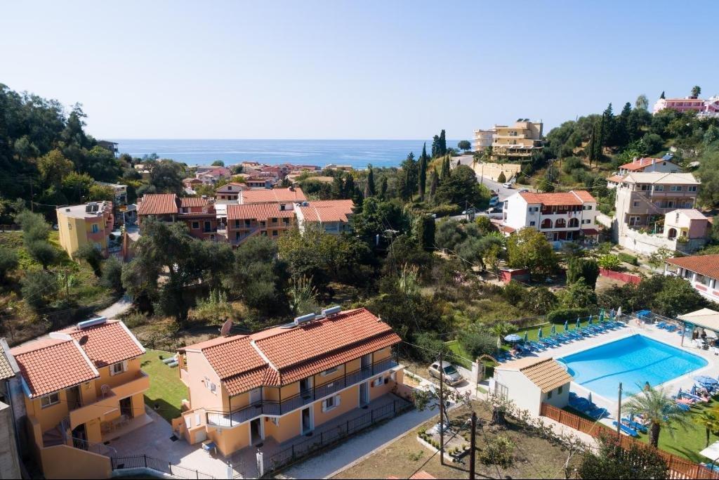 Appartementen Odysseus - zwembad van app. Irene