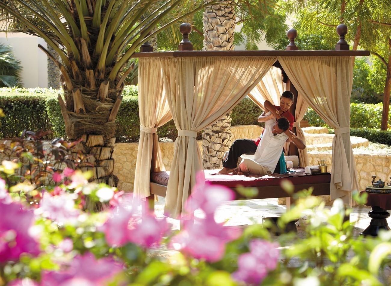Hotel Shangri-La Al Bandar massage in open lucht - Muscat