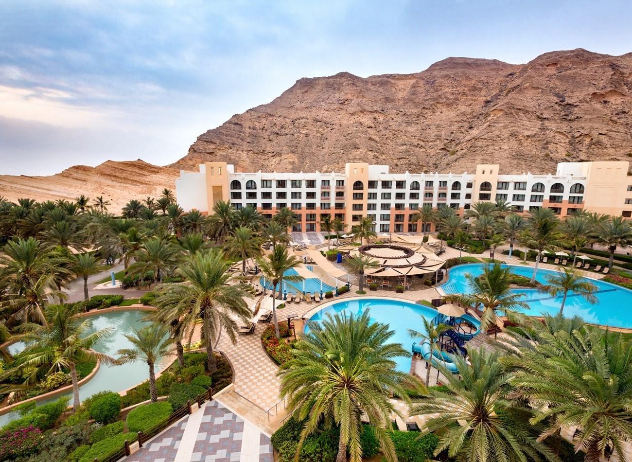 Hotel Shangri-La Al Waha zwembaden en resort - Muscat