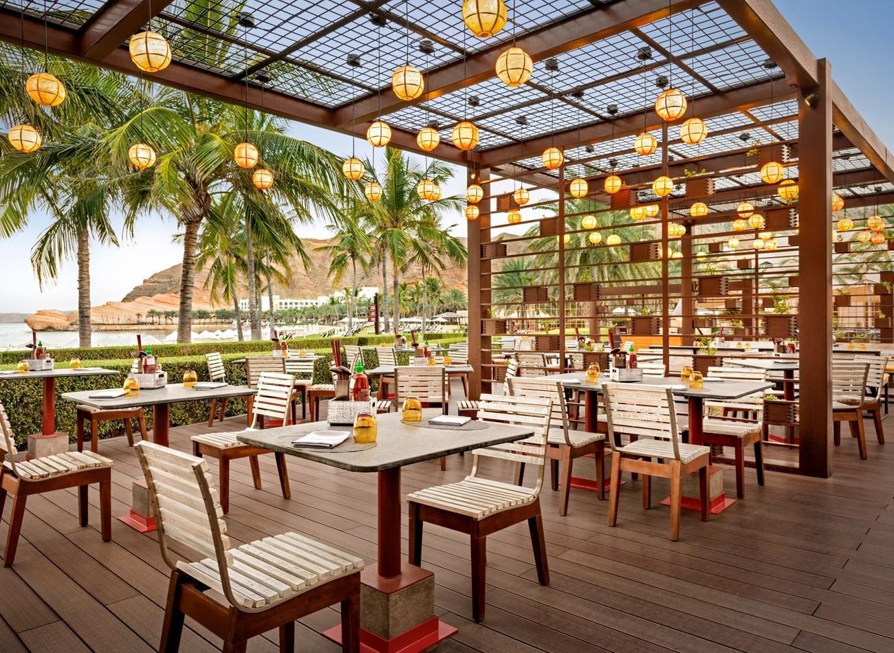 Hotel Shangri-La Al Bandar terras Aziatisch restaurant Chow Mee - Muscat