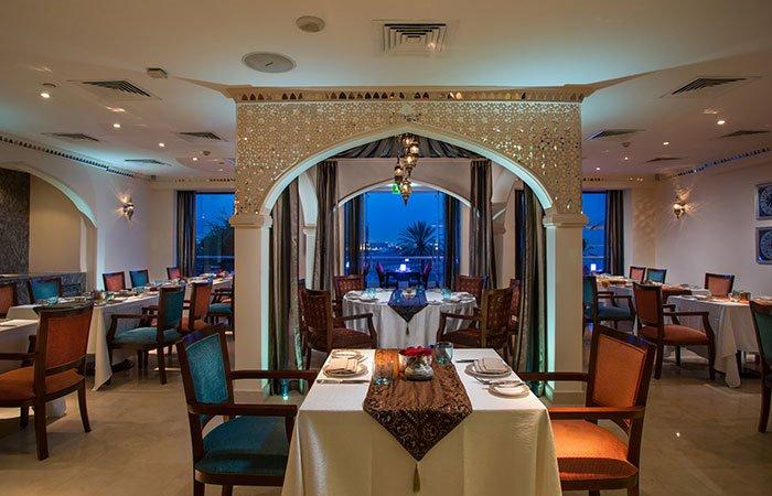 Hotel Crowne Plaza Muscat restaurant - Muscat