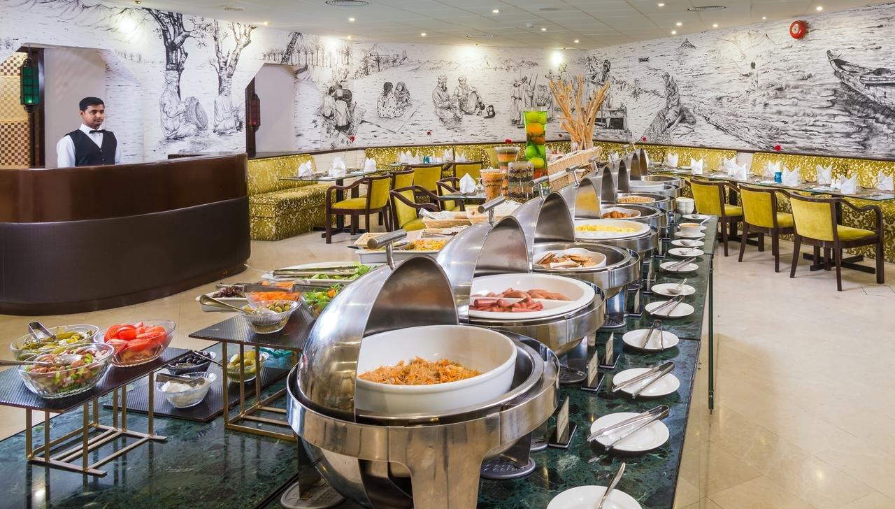 Hotel Tulip Inn Downtown Muscat buffet - Muscat