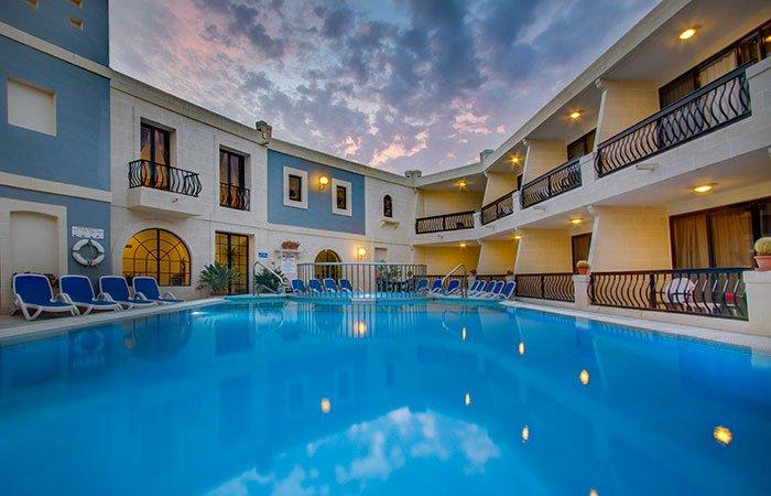 Hotel & appartementen Pergola - Mellieha Bay
