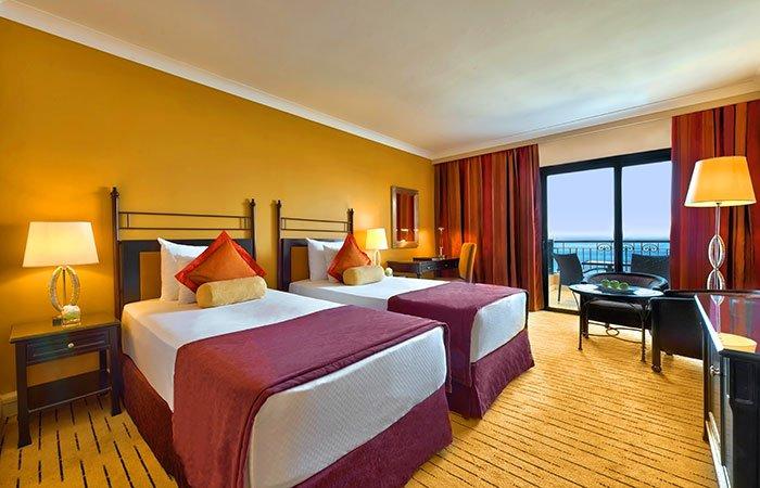 Hotel Corinthia St. George's Bay luxe kamer zeezicht - St. Julians