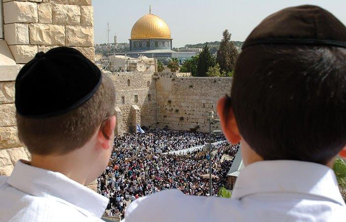Klaagmuur en rotskoepel in Jeruzalem
