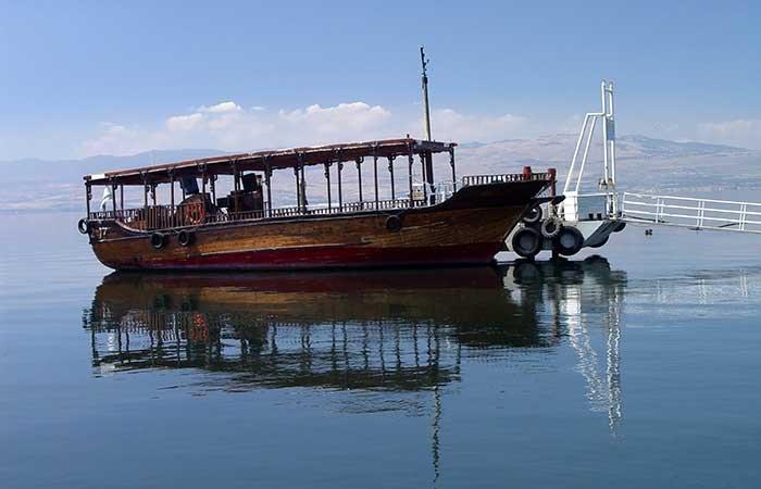 Boot bij het meer van Tiberias
