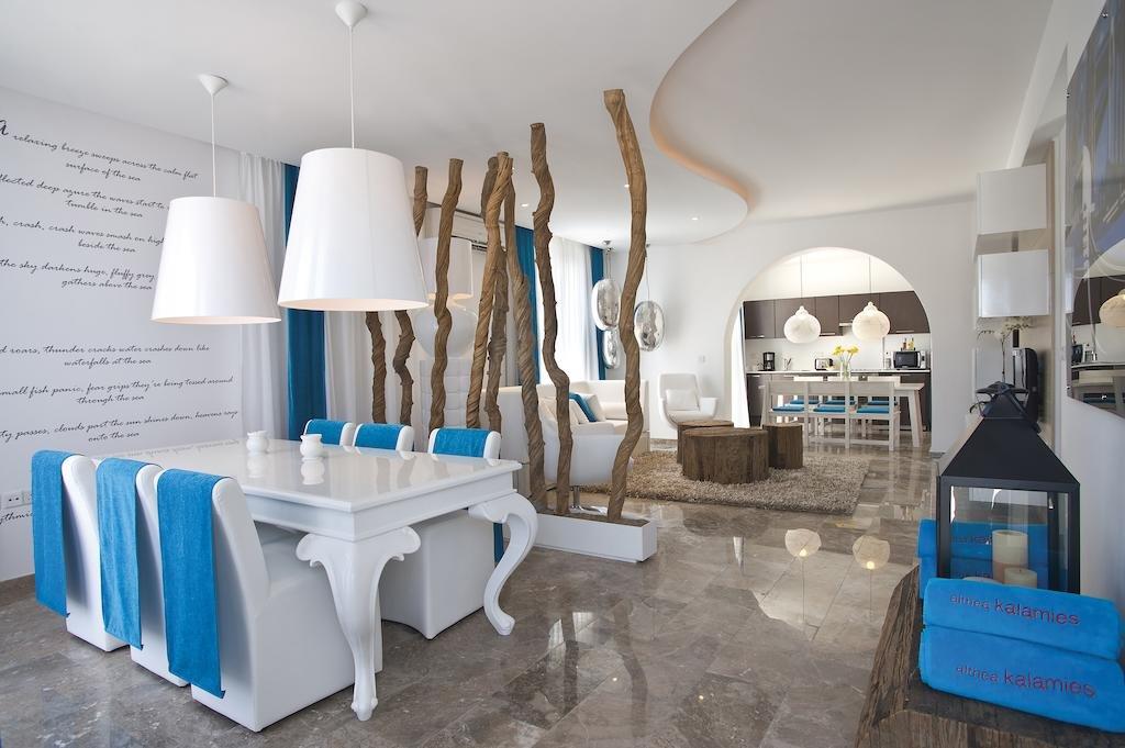 Villa's Louis Althea Kalamies