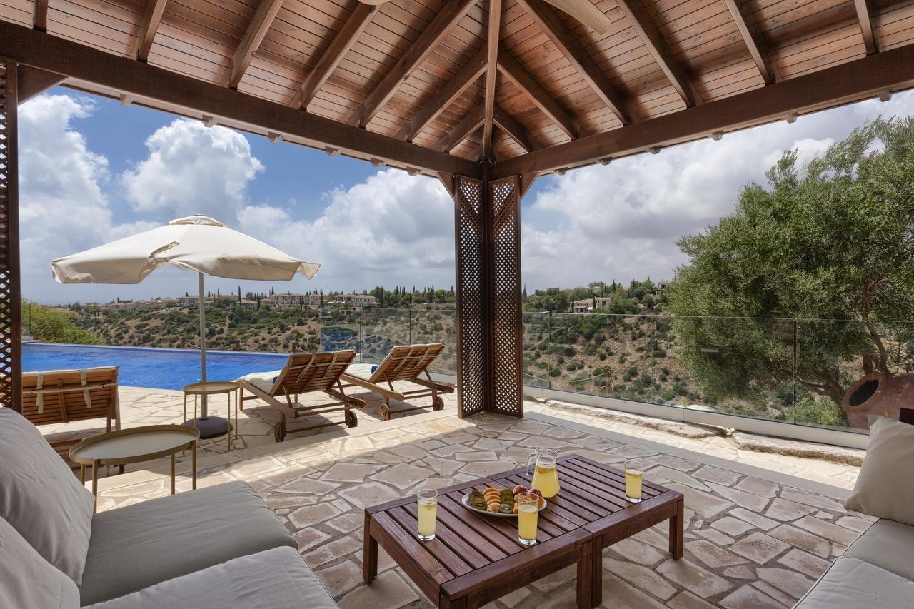 superior villa Aphrodite Hills Resort