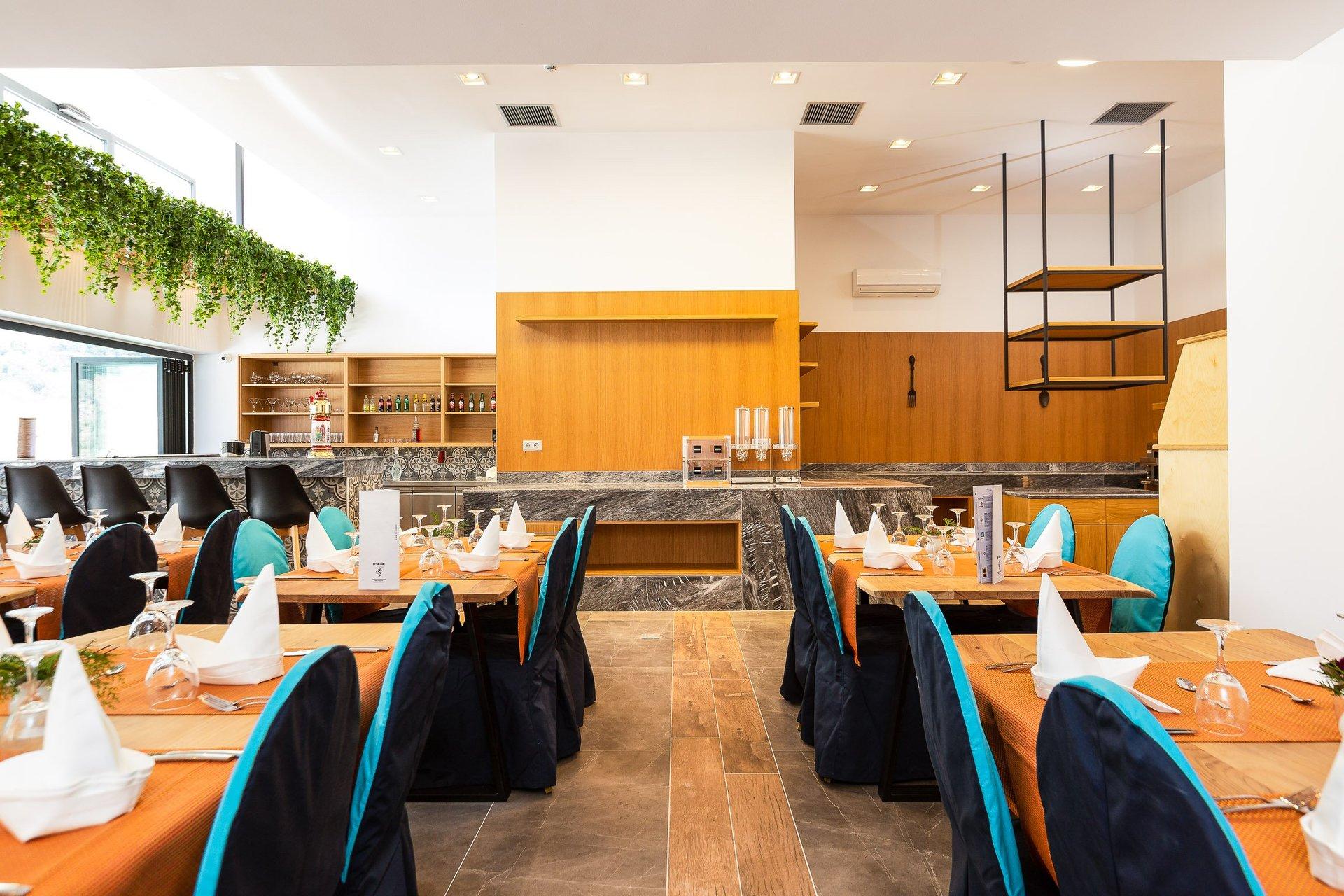T - Hotel Premium Suite - Restaurant