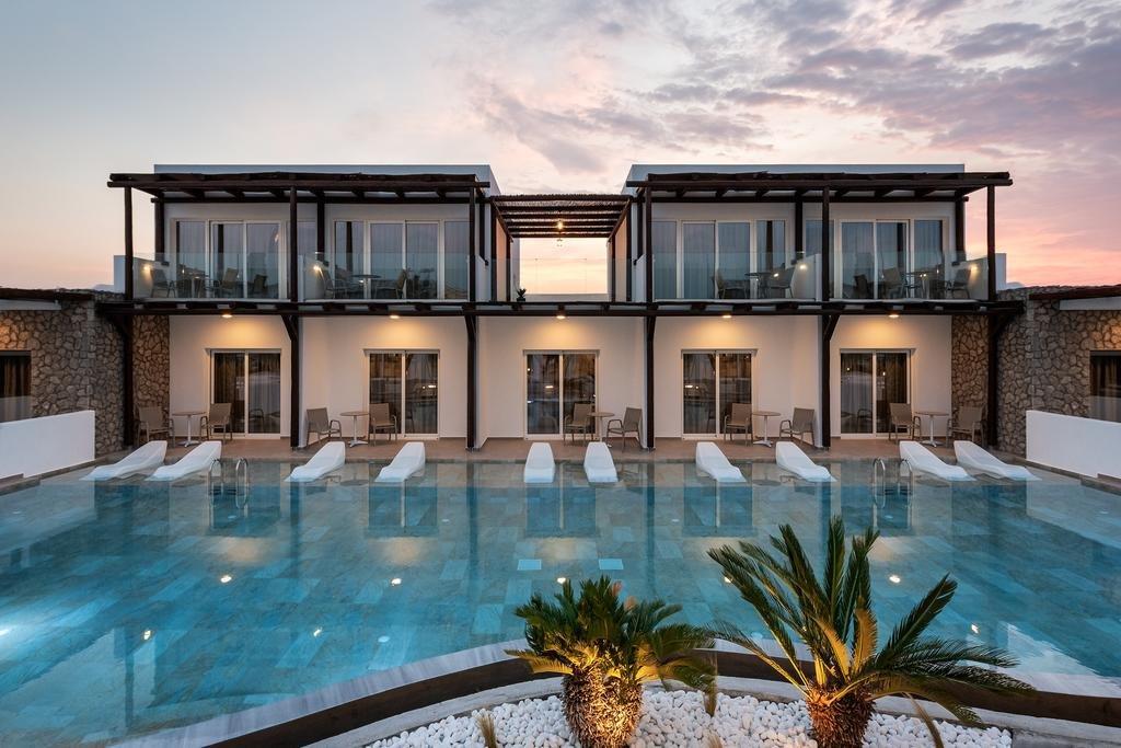 Hotel Nama Retreat - Pastida - zwembad
