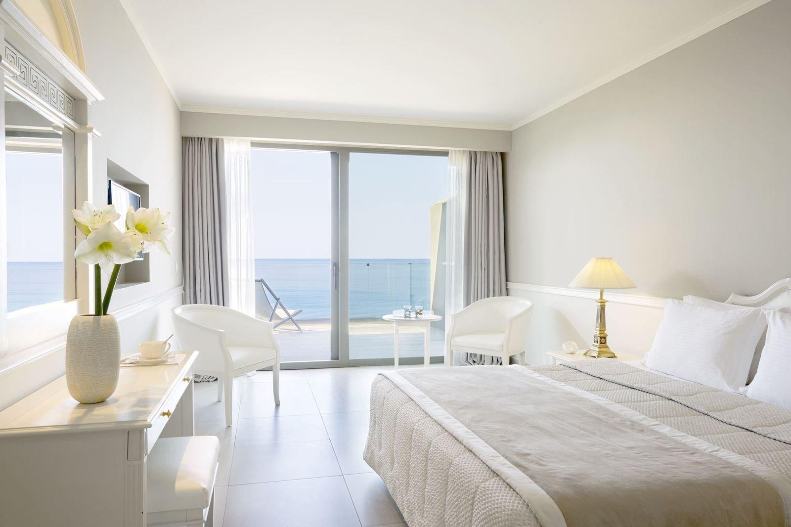 Hotel Mayor La Grotta Verde - Agios Gordis - kamer deluxe zeezicht