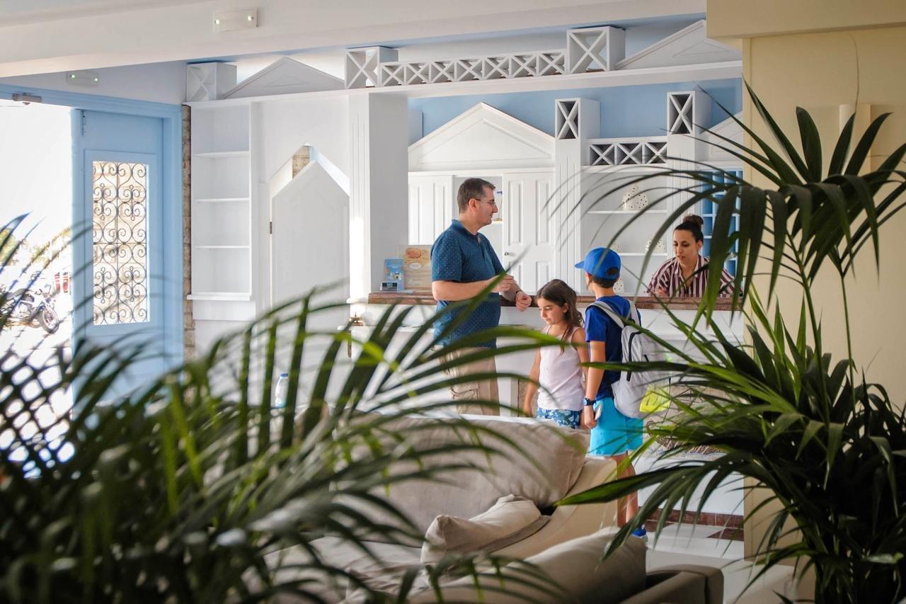 Hotel Erato Seaside - Karlovasi