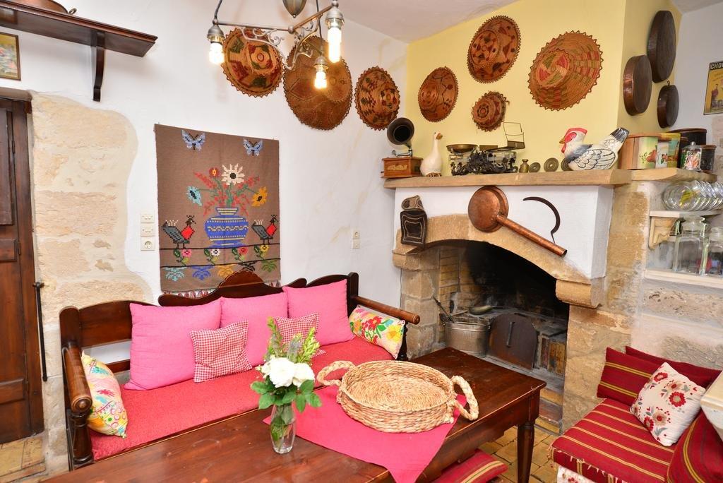 Appartementen Viglatoras Traditional Apartments - Sarchos - woonkamer