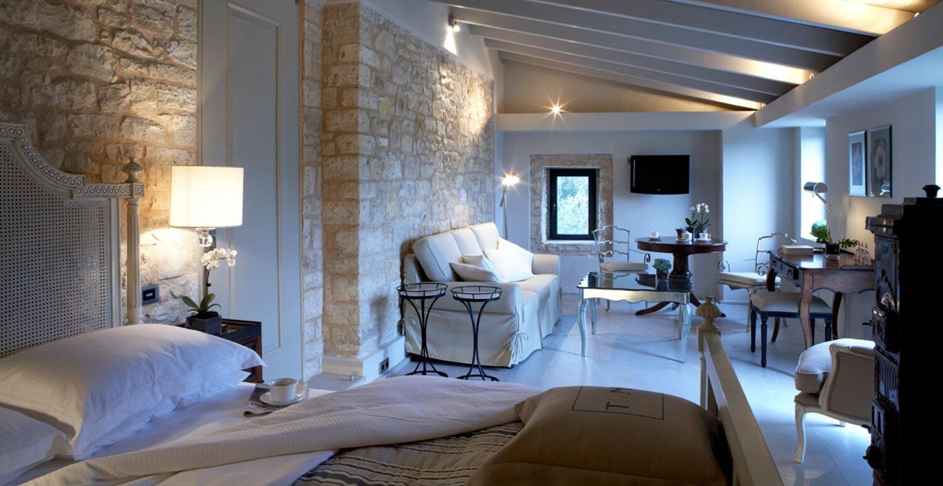 Hotel Torri e Merli- master suite