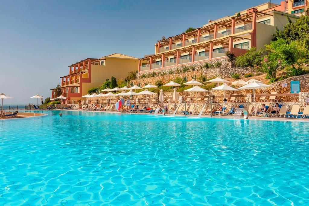 Apostolata Island Resort & Spa - zwembad