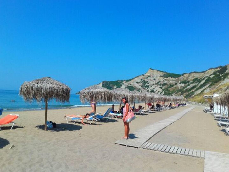 Arcoudilas strand