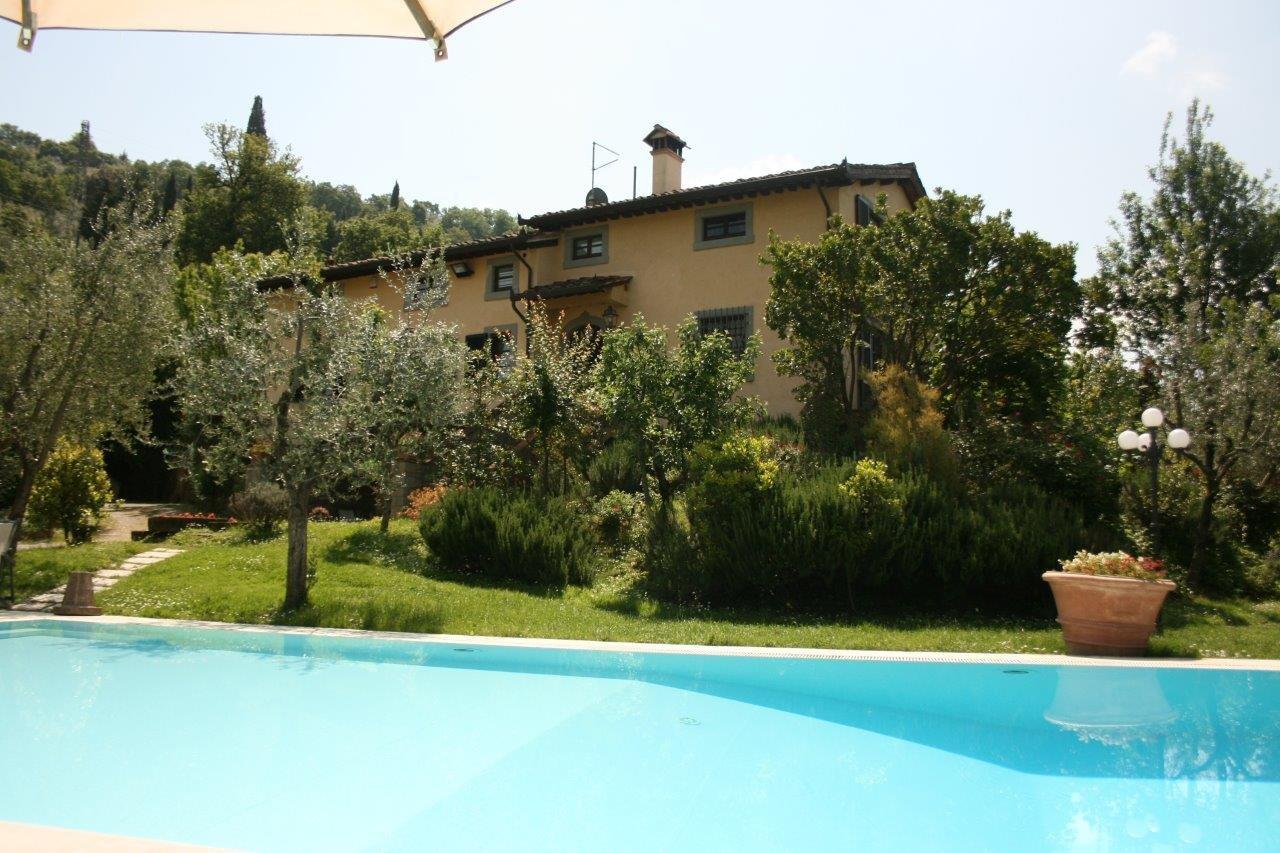 Villa degli Olivi zwembad met huis