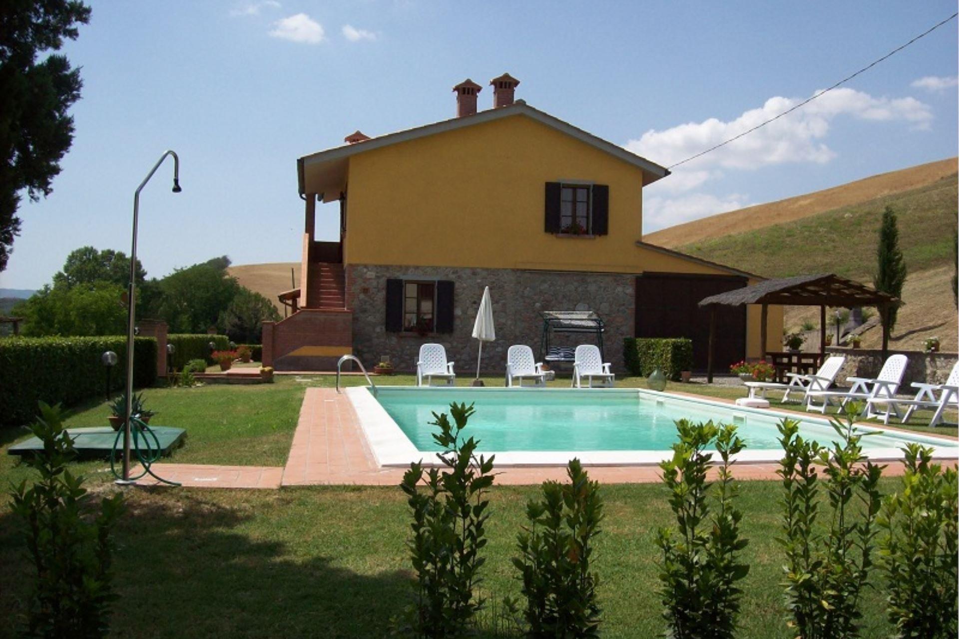 podere bellosguardo - zwembad met huis