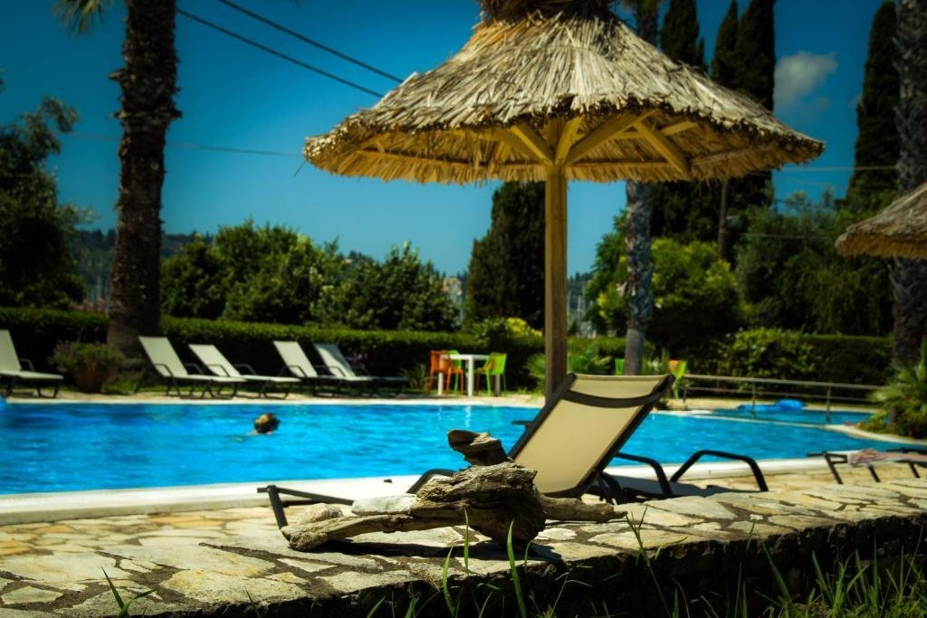 Gerekos - zwembad
