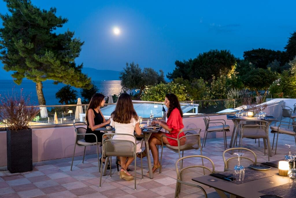 Hotel Porto Galini Seaside Resort & Spa - restaurant