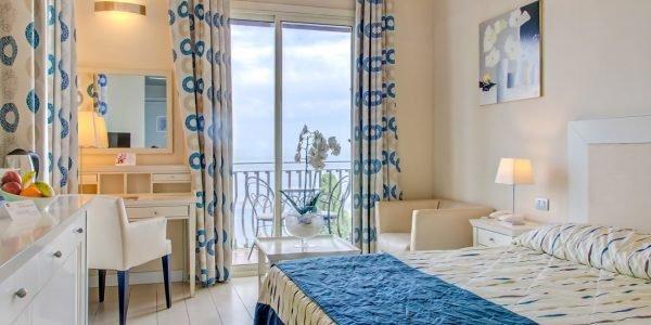 Ariston - superior kamer balkon met zeezicht