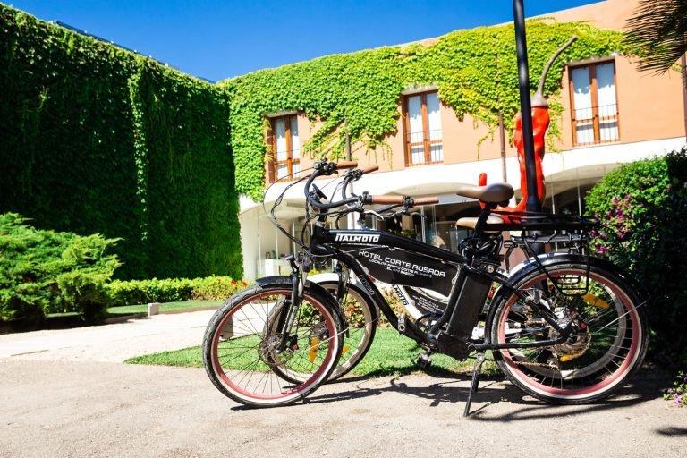 hotel-resort-corte-rosada-alghero-sardegna-fietsen