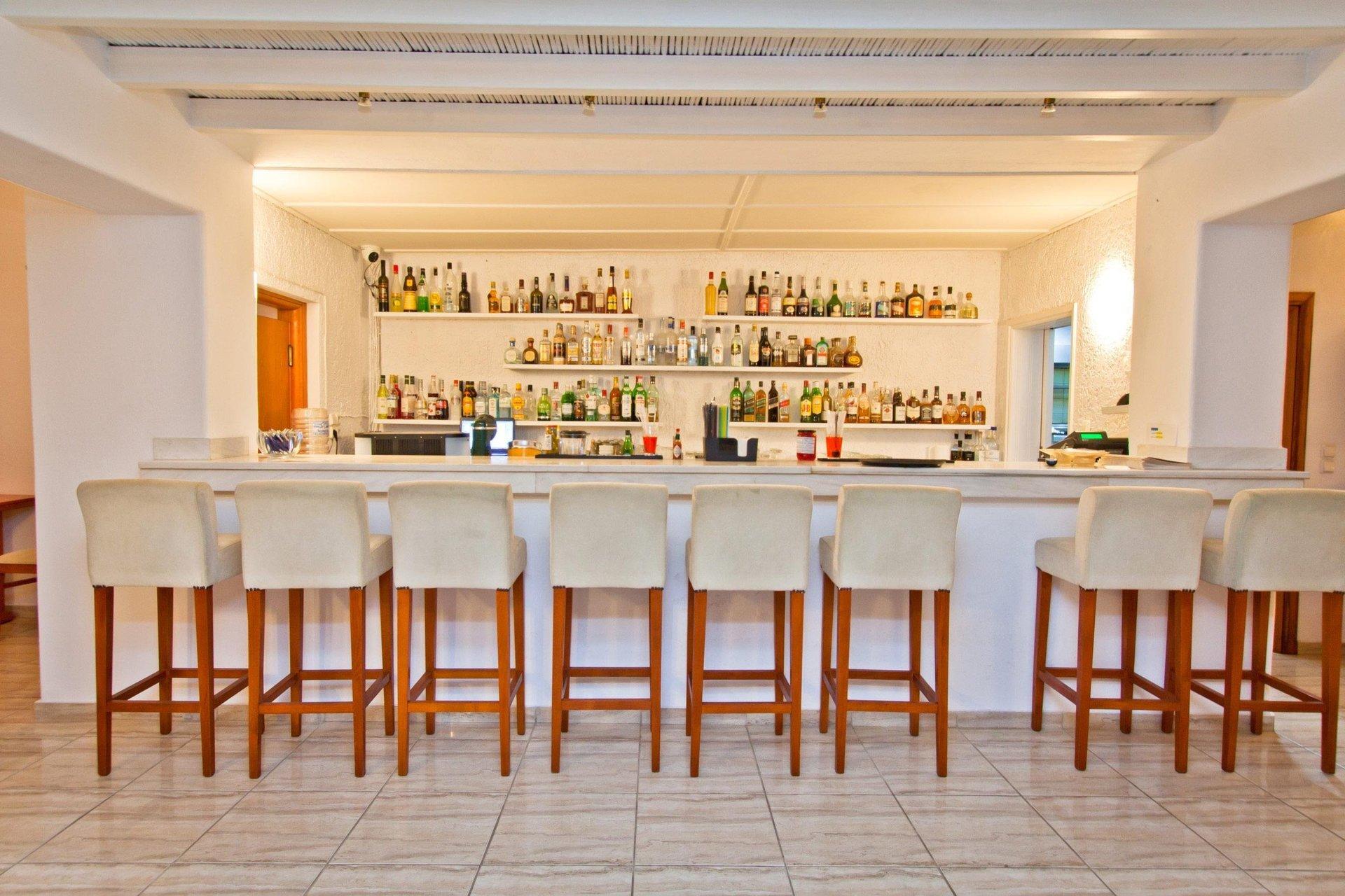 Yiannaki - bar