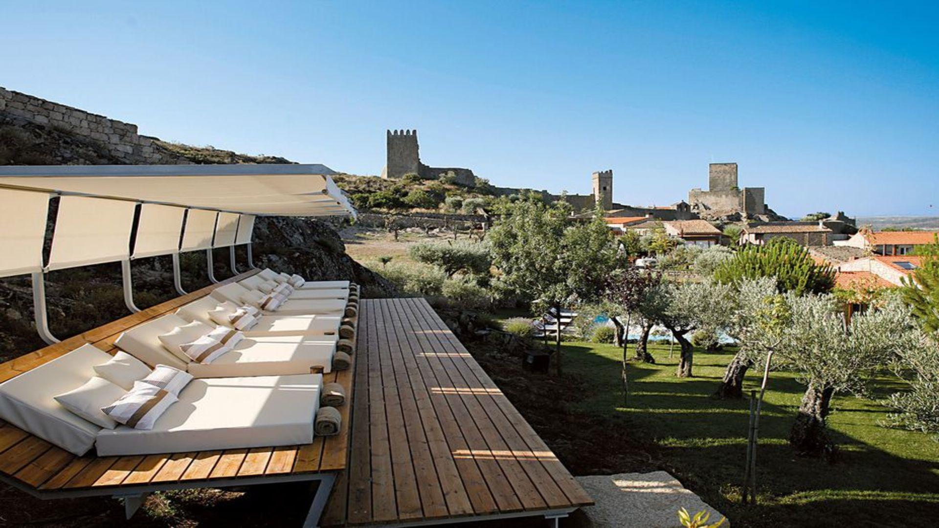 Buitenterras Casas do Coro met uitzicht, Marialva, Meda, Portugal