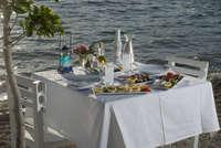 Tafel voor 2 met uitzicht op zee in GriekenlandTafel voor 2 uitzicht op zee Griekenland