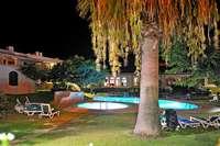 Clube Maria Luisa - Zwembad avond