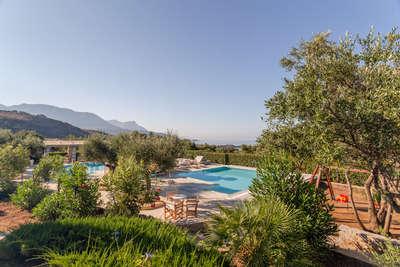 Kleinschalige hotels &Olives zwembad